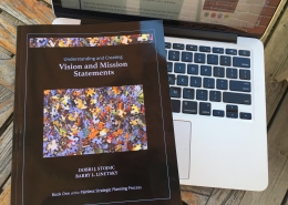 Cover of Understanding and Creating Vision and Mission Statements by Linetsky & Stojsic